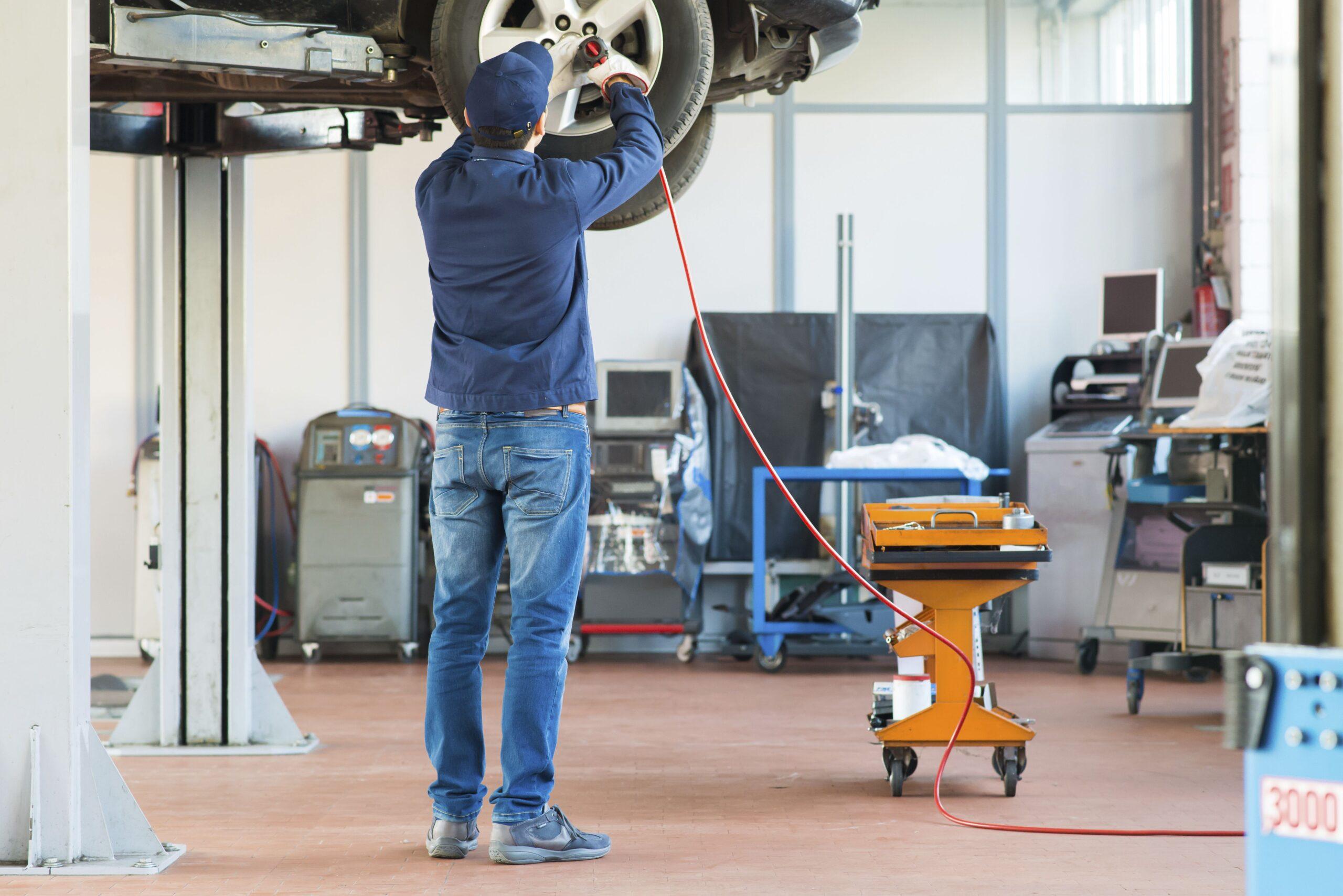 em taller del automovil los molinos